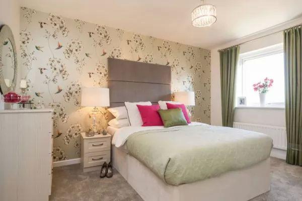 اختيار احدى تصاميم ورق الجدران الهادئة فى ديكورات غرف نوم 2018
