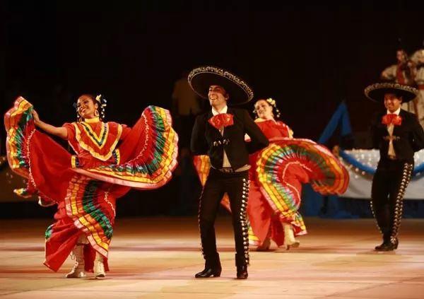 الاحتفالات النقليدية في المكسيك