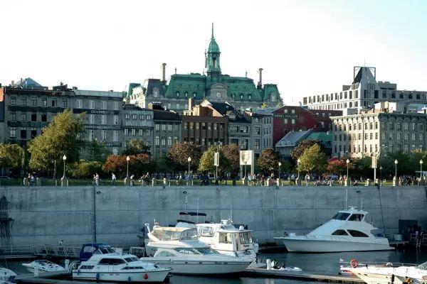 مدينة مونتريال القديمة من اجمل اماكن سياحية في مونتريال