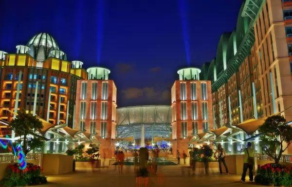 منتجعات سينتوسا العالمية من اجمل اماكن سياحية في سنغافورة