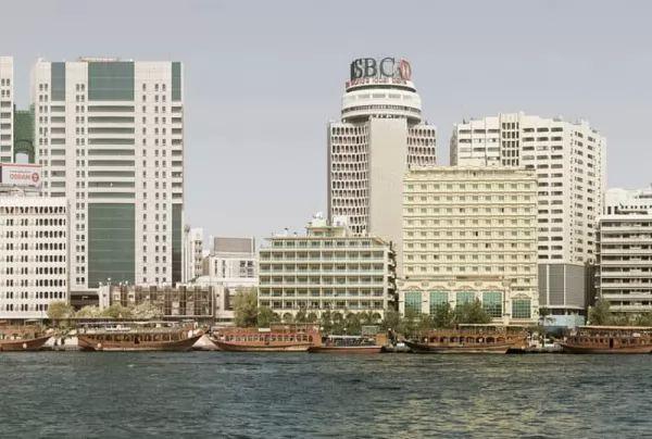 خور دبي من اجمل اماكن سياحية في الامارات