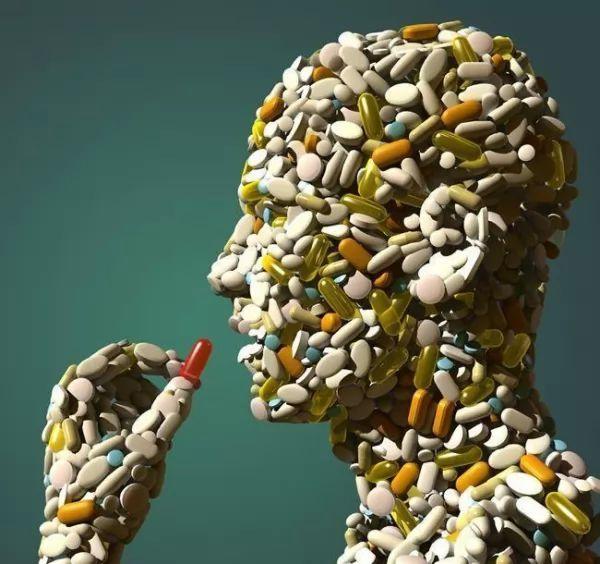 الاثار الجانبية للمضادات الحيوية