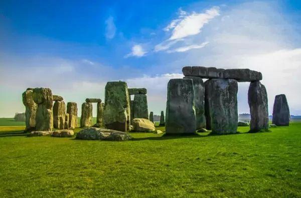 ستونهنج من اجمل اماكن سياحية في بريطانيا