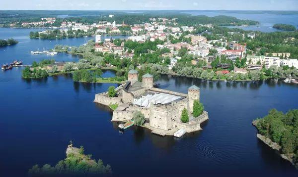 سافونلينا من اشهر الاماكن السياحية في فنلندا
