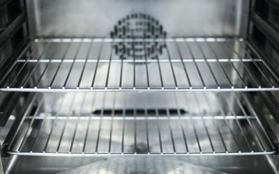 كيفية تنظيف رفوف الفرن بدون أي مواد كيميائية، 5 طرق يجب أن تعرفها