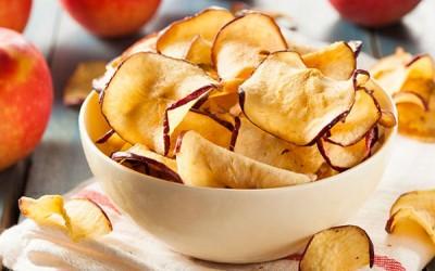 كيف يمكن عمل رقائق التفاح في المنزل ؟