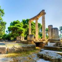 عادات وتقاليد الشعب اليوناني في الإحتفالات