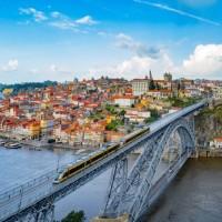 لماذا يفضل المسافرون الذهاب إلى مدينة بورتو؟