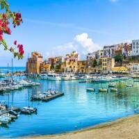 لماذا يفضل السياحة إلى جزيرة صقلية؟